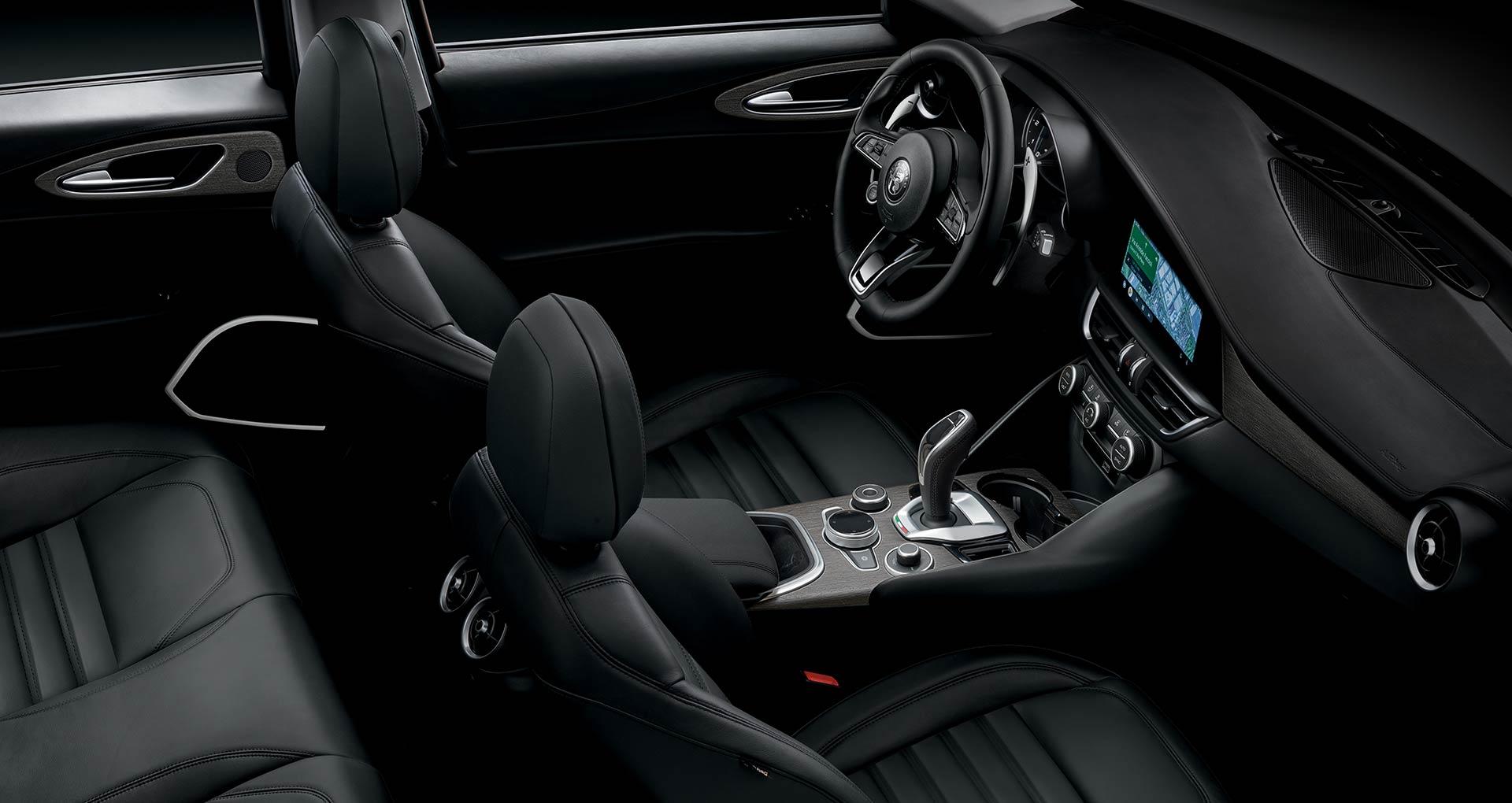 Dettaglio interni in pelle beige Alfa Romeo Giulia