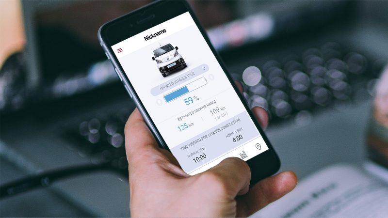 Приложението Nissanconnect за новия Nissan e-NV200 на екрана на смартфон