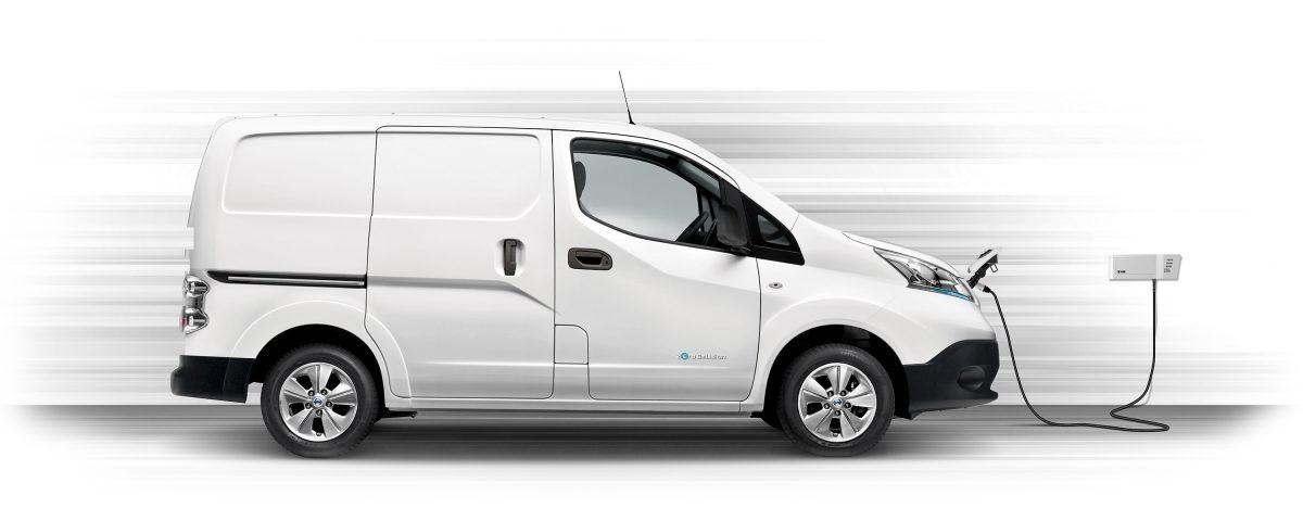 Новият Nissan e-NV200 в профил и зареждане с Wallbox