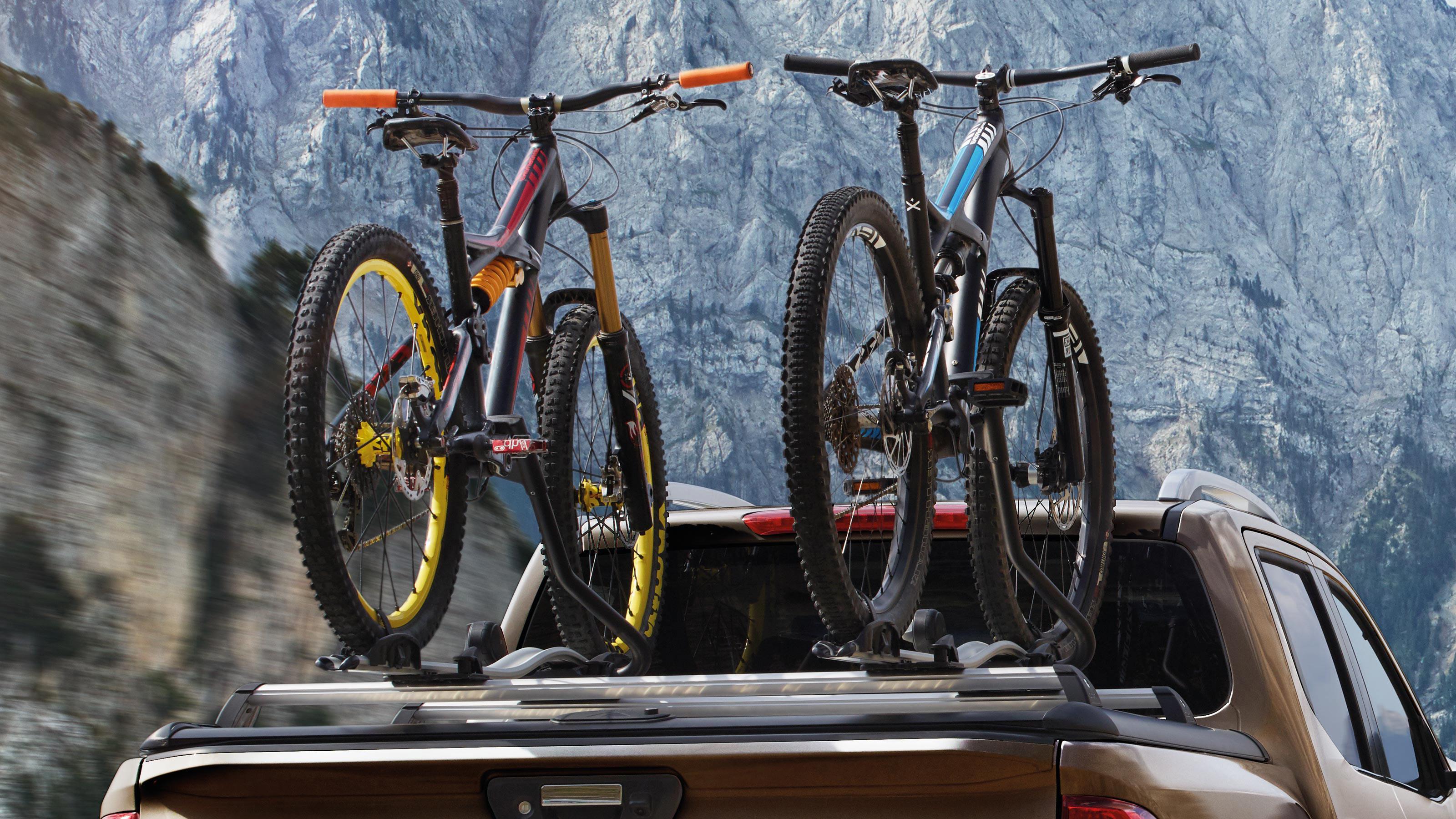 Nissan Navara bike carrier luxury